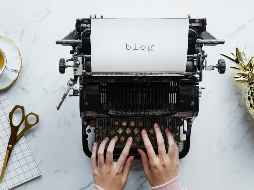 old fashioned typewriter with the word BLOG on a piece of paper